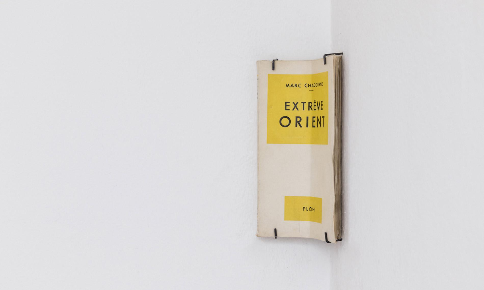 Francesco Arena, Extrême Orient, 2017, libro, foto Roberto Marossi, courtesy Galleria Raffaella Cortese Milano
